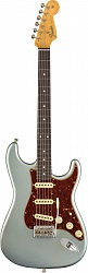 FENDER 2019 POSTMODERN STRATOCASTER® JOURNEYMAN RELIC®, ROSEWOOD FINGERBOARD, FADED AGED BLUE ICE METALLIC